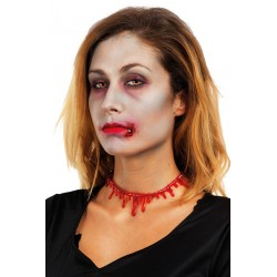 Cecollier sanglantsera lebijouxd'halloweenidéal pour votre déguisement. Cet accessoire en plastique souple représente un collier fait en tache de sang comme si votre gorge était tranchée.