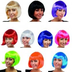 Cette perruque cabaret pour femme est disponible en 10 coloris afin de s'adapter très facilement à tous vos costumes charleston.