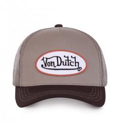 La casquette marron beige Von Dutch est réglable et faite rien que pour vous ! Choisissez d'être à la mode pour l'été avec cette marque confort et tendance. Retrouvez l'esprit de créativité mêlant vintage et anticonformisme de l'Amérique de 1950 et de la marque au fil de ses collections de casquettes toujours à la mode.