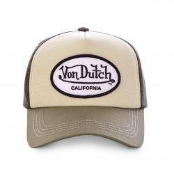 La casquette coton original adulte Von Dutch est parfaite pour un avoir un style simple mais prononcé. Elle est disponible en trois modèles. Elle est réglable à l'arrière. Attention, le coloris sélectionné est celui du fond du logo.