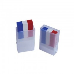 Allez les bleus! Peignez vous aux couleurs de l'équipe de france avec ce stick de fard gras tricolore.